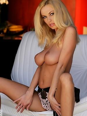 Showen off her hot soft body